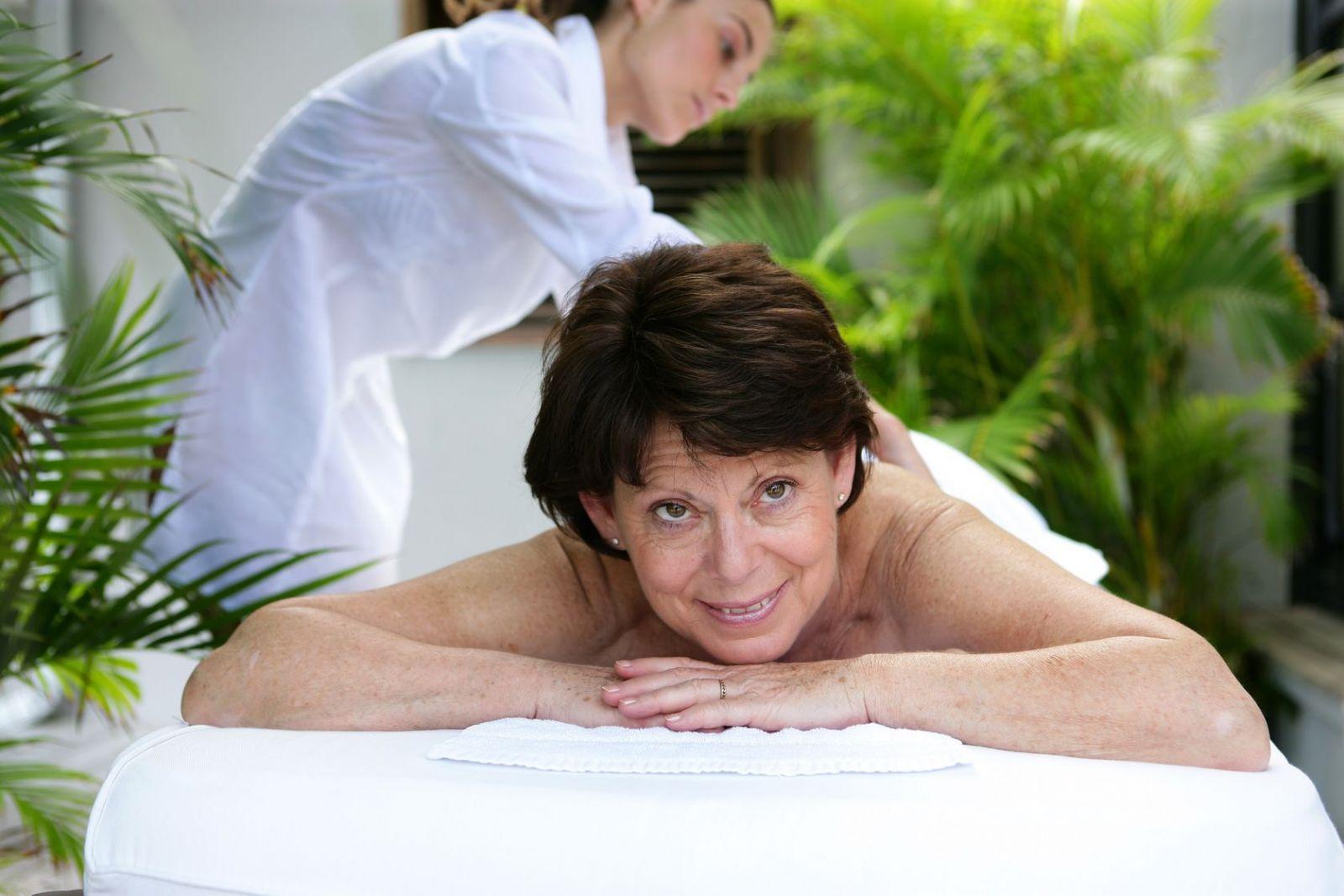 Секс русский с зрелой после массажа, массаж зрелых: смотреть русское порно видео онлайн 2 фотография